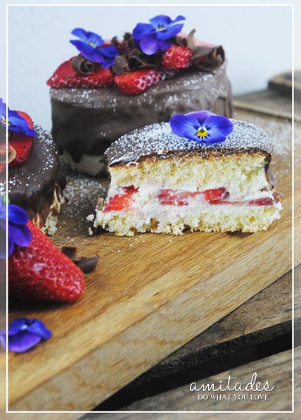 amitades.Blog | Ostertörtchen mit Erdbeeren