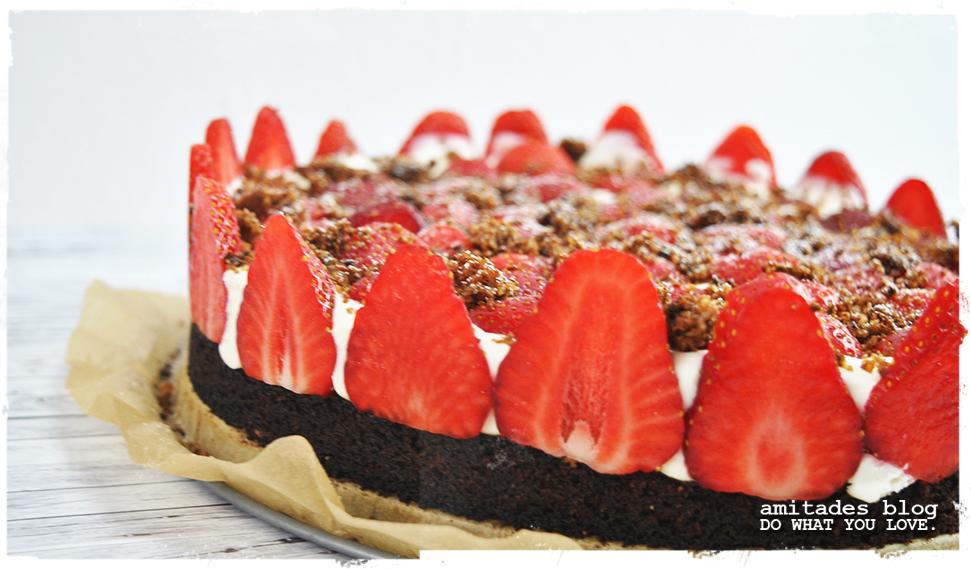 amitades.Blog | Erdbeertorte mit Schokoladenboden und Quarkcreme